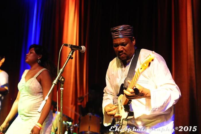 Guitarist/bandleader Almeida (r.)