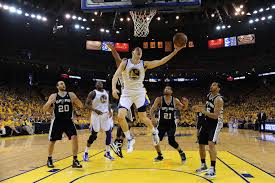 Klay drives to the hoop