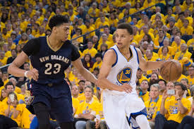 Curry tees up the Pelicans' Anthony Davis