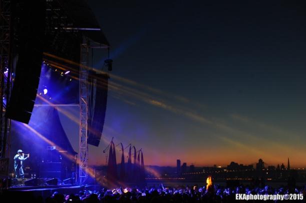Nas performs at Bay Area Vibez